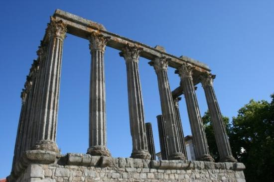 Evora attractions