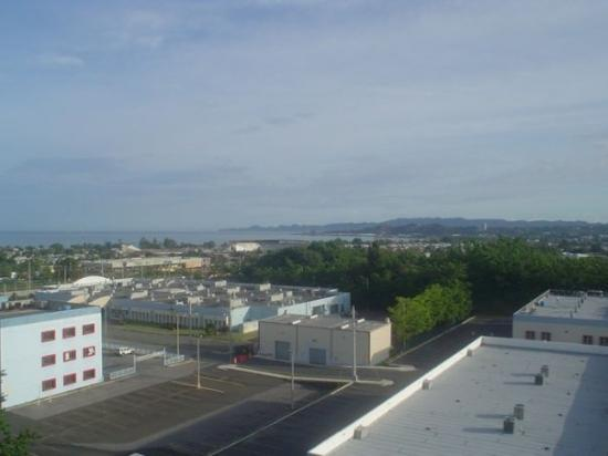 Mayaguez, Пуэрто-Рико: The 11th floor view where we were staying, at Angela's.