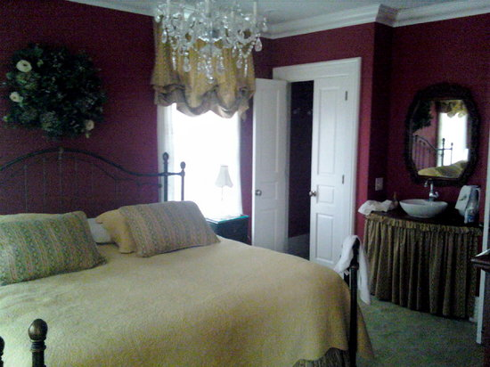 Photo of Rosewood Inn Bed & Breakfast Lansing