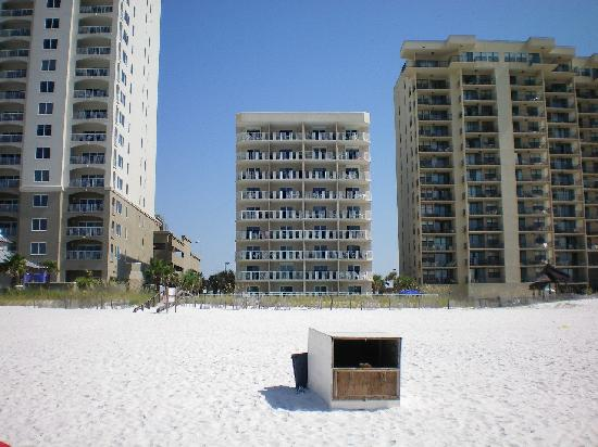 Four Winds Condominiums: view from beach looking at the Four winds