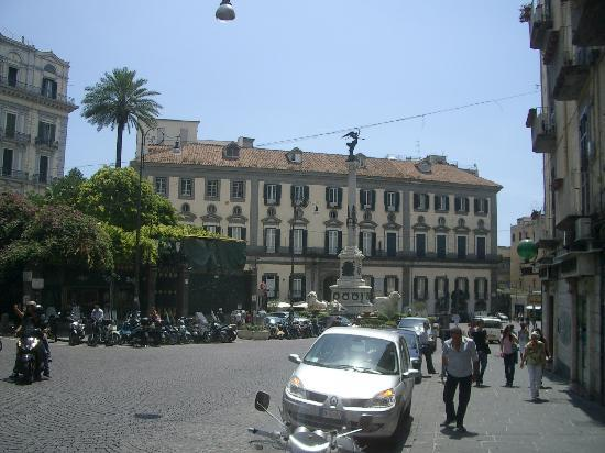 Hotel Palazzo Alabardieri : piazza dei martiri 