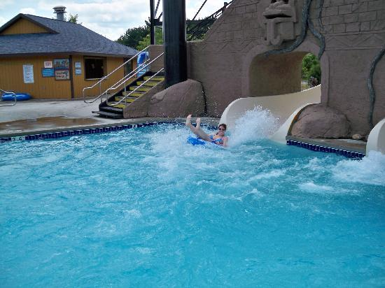 Polynesian Resort Hotel: waterslide