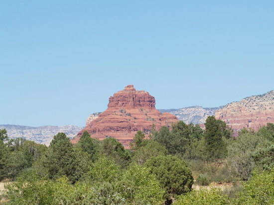 ‪سيدونا, ‪Arizona‬: Bell Rock from the Visitor Center‬