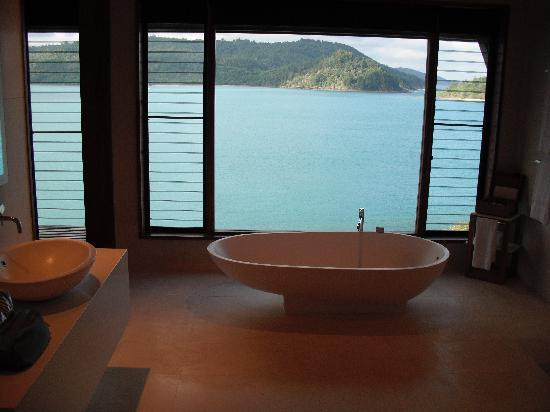 Qualia Resort: Bath anyone?