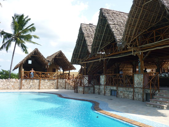 Samaki Lodge &amp; Spa: ristorante e piscina