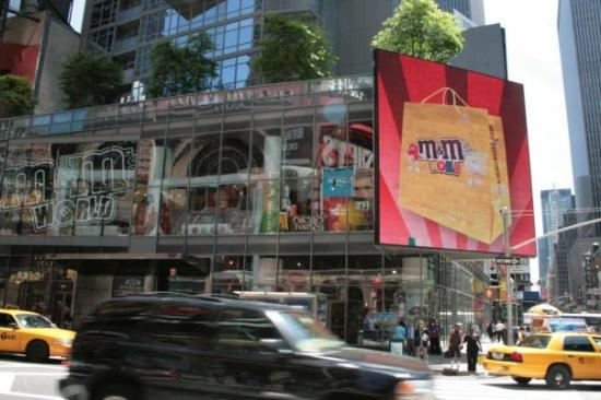 Ecran g ant times square giant screen picture of m m 39 s for Photo ecran times square
