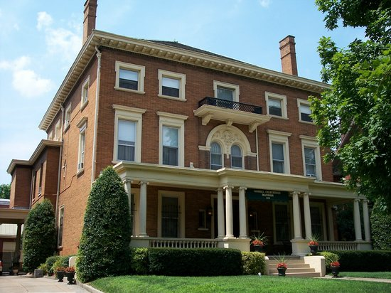 ‪The Samuel Culbertson Mansion Bed and Breakfast Inn‬