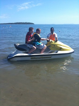 Denarau Island, Fiji: jetskiing