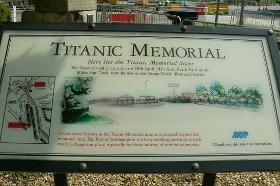 Σαουθάμπτον, UK: Southampton with the Titanic memorial.titanic left in 1912 from this port