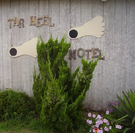 Tar Heel Motel: How cute is this logo?