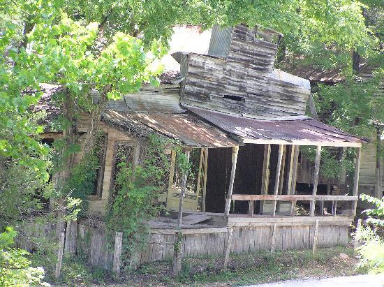 Arkansas: The old store in the ghost town of Rush