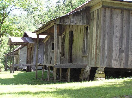 Arkansas: Old houses in Rush