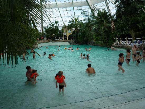 Pateaugeoire enfant picture of center parcs les bois for Piscine enfant