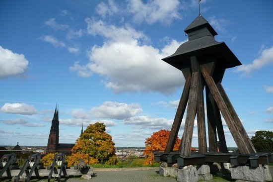 Autumn in Uppsala, Domkyrka (the biggest swedish cathedral) in the backround