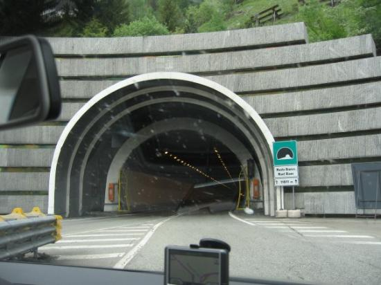 Hotels Near Mont Blanc Tunnel