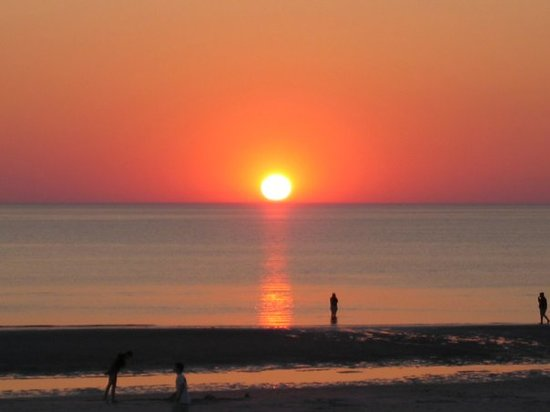 Orleans, MA: Sunset over Skaket Beach taken by Henri Millhollan