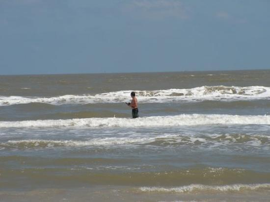 Dustin quickly learned that surf fishing is nothing like for Texas coast fishing