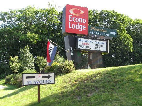 Econo Lodge Lenox: needs improvement