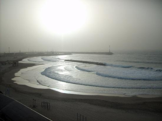 Ashkelon, Israel: marina in duststorm, 4pm.