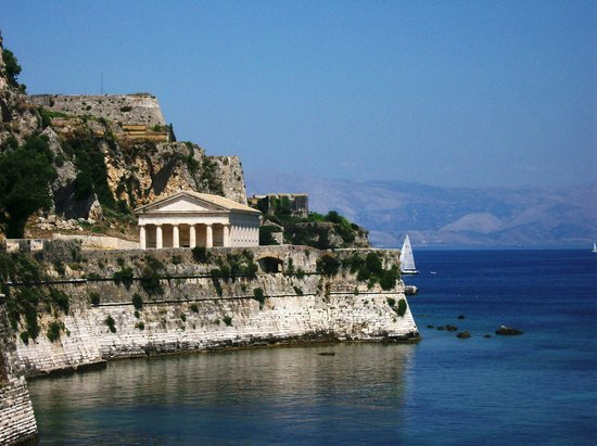 Corfu Town, Grecia: Church at fortress