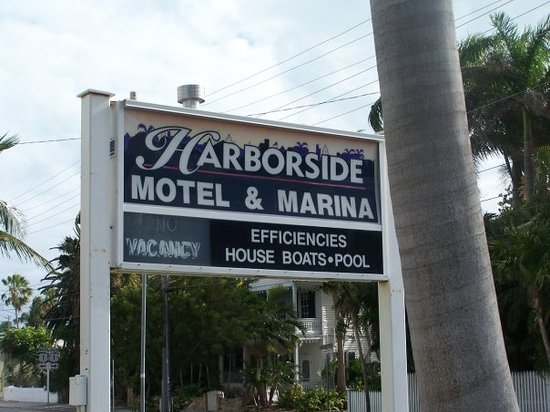 Harborside Motel & Marina: Our home away from home