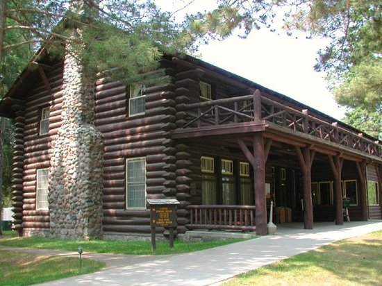 Douglas Lodge at Lake Itasca, Minnesota - contained a restaurant, gift shop and guest rooms.