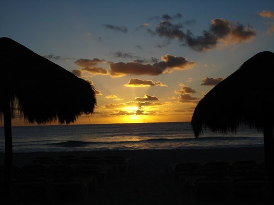 Playa Paraiso, Mexico: Mayan Riviera Sunrise
