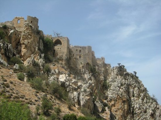 Kyrenia, Siprus: St. Hilarion Castle was built on one of the highest points of mountains, again, as protection fr