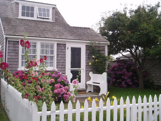 Nantucket, MA : cute houses