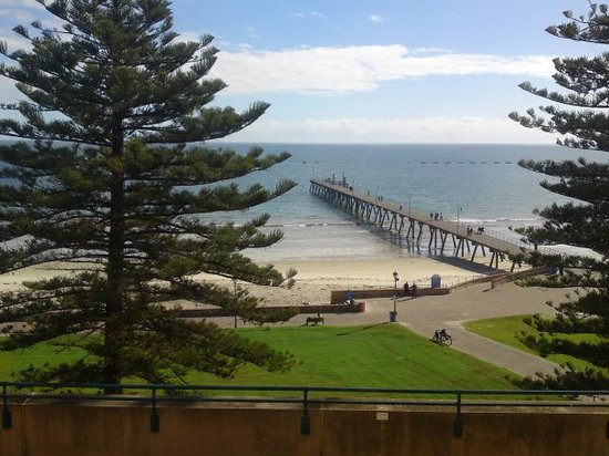 Glenelg hotels