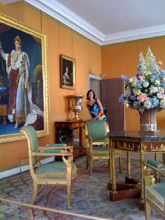 Rueil-Malmaison, France: One of the sitting rooms upstairs near Josephine's bedroom.  Great, famous paintings were everyw