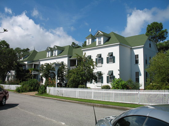 ‪Roanoke Island Inn‬