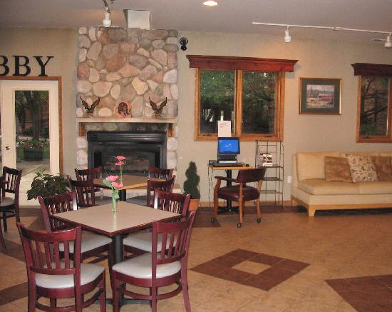 O&#39;Brien Inn &amp; Resort: Part of Lobby