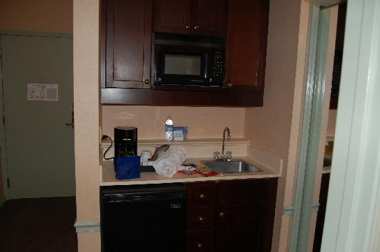 Holiday Inn Express Puyallup (Tacoma Area): kitchenette