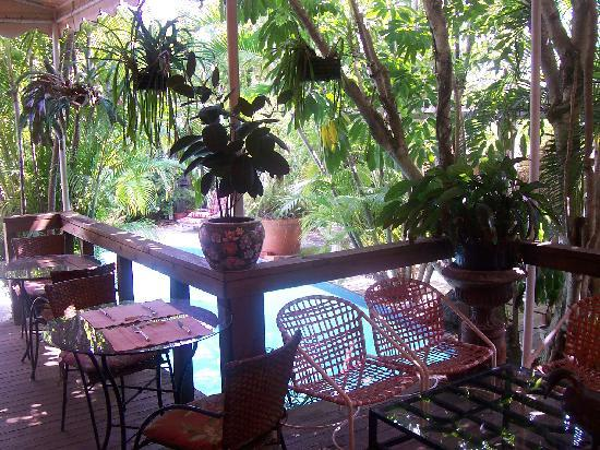 Hibiscus House: Secluded Pool & Awesome Patio Area