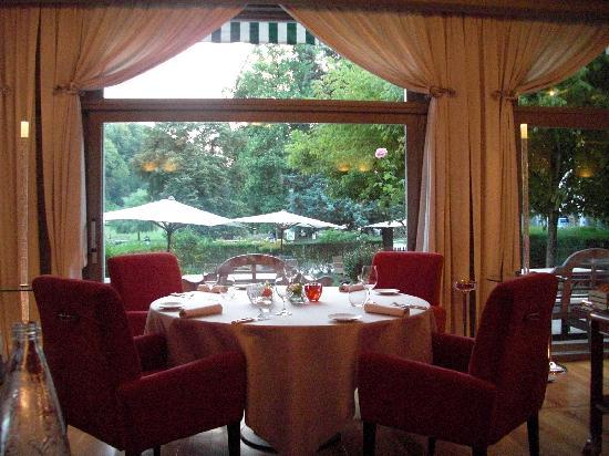Restaurant les terrasses photo de grand hotel uriage for Hotels uriage