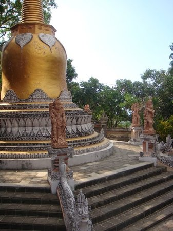 Kuta, Indonesia: Bhudist temples