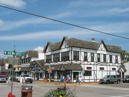 Minocqua, Wisconsin: Pub and Bakery - A German style building in downtown Minocqua, WI