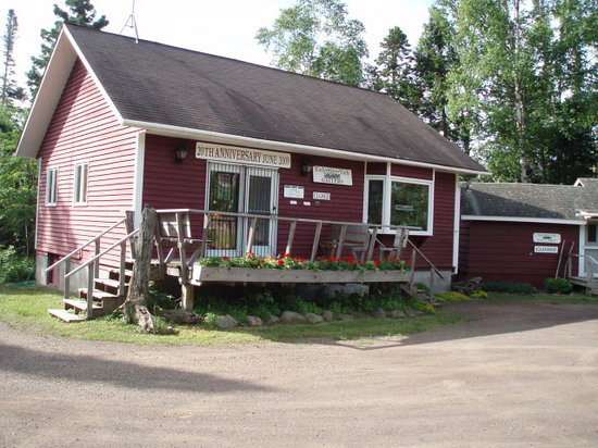 Kah-Nee-Tah Cottages and Gallery