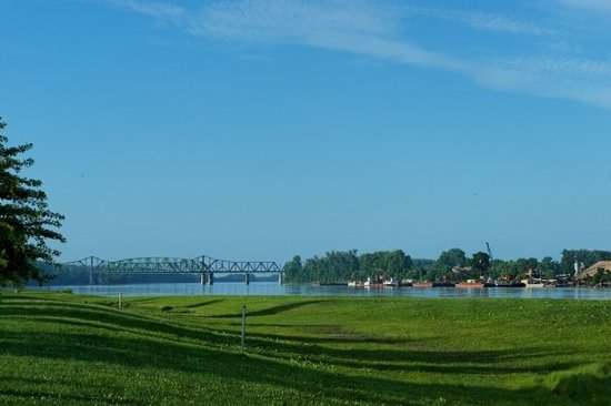 Saint Charles, MO: The Missouri River, just imagine some flatboats with jolly men like in one of George Caleb Bingh