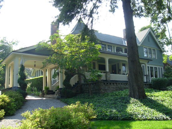 ‪Black Walnut Bed and Breakfast Inn‬