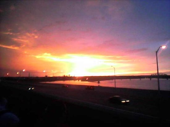 Louisville, KY: Sunset over the Ohio River at the Forecastle Festival
