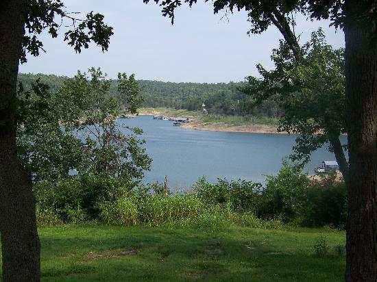 Bull Shoals Lake Resort: View from cabin 13