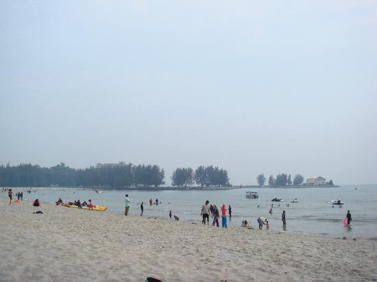 The Regency Tanjung Tuan Beach Resort: Beach is okay, not as dirty as expected