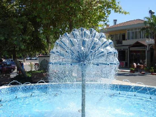 Kemer Fountain, Aug  2009