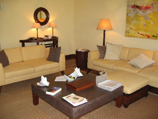 Maradiva Villas Resort and Spa: interior suite