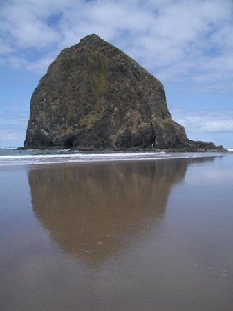 haystack rock on cannon beach. oregon