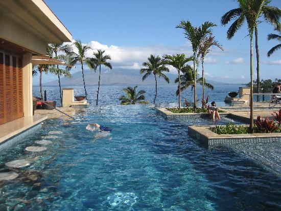 Four Seasons Resort Maui at Wailea: Second View of the Serenity Pool