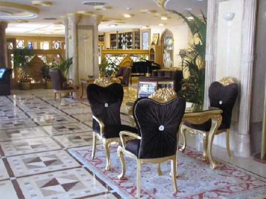 Celal Aga Konagi Hotel: Main hall, entrance