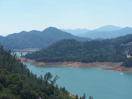 Shasta Lake Motel: What a View!